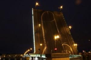 арт-группы «Война» мост